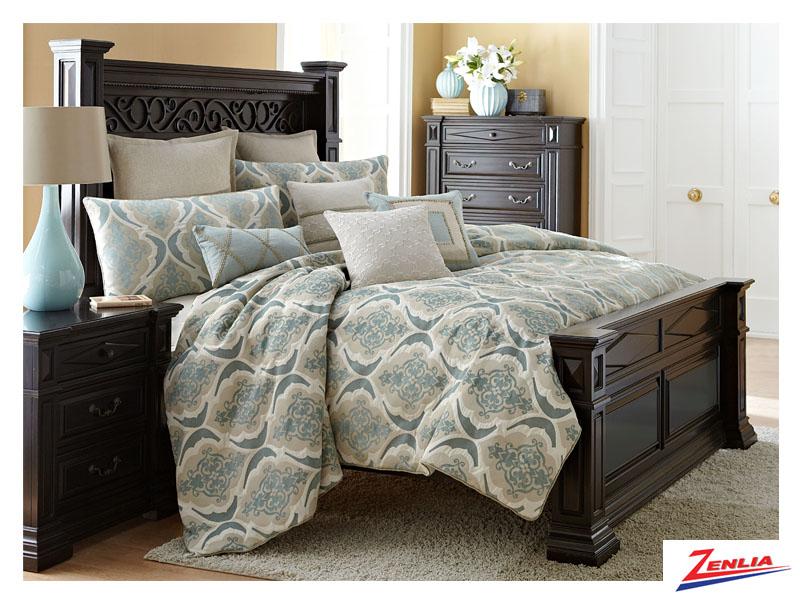 Avig Comforter Set
