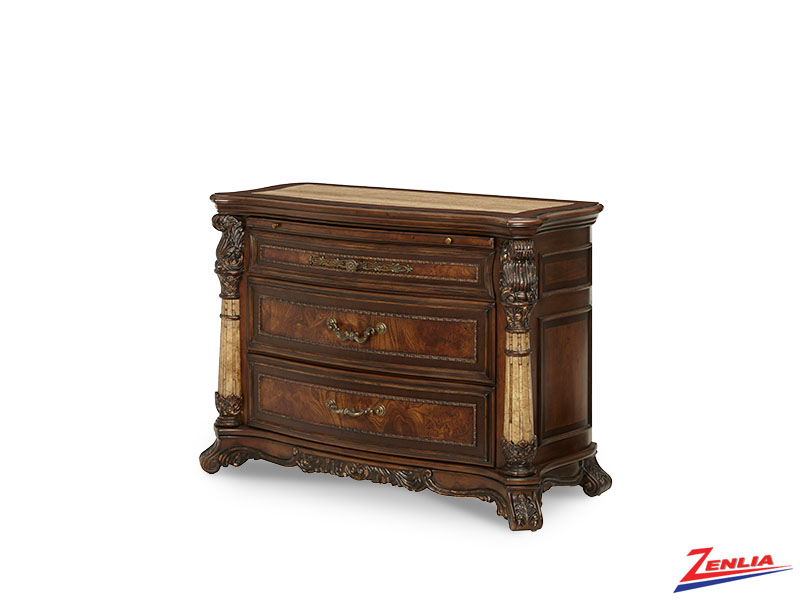 Victoria Bachelor's Chest