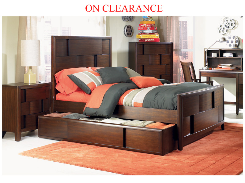 Clearance Full Bed With Trundle