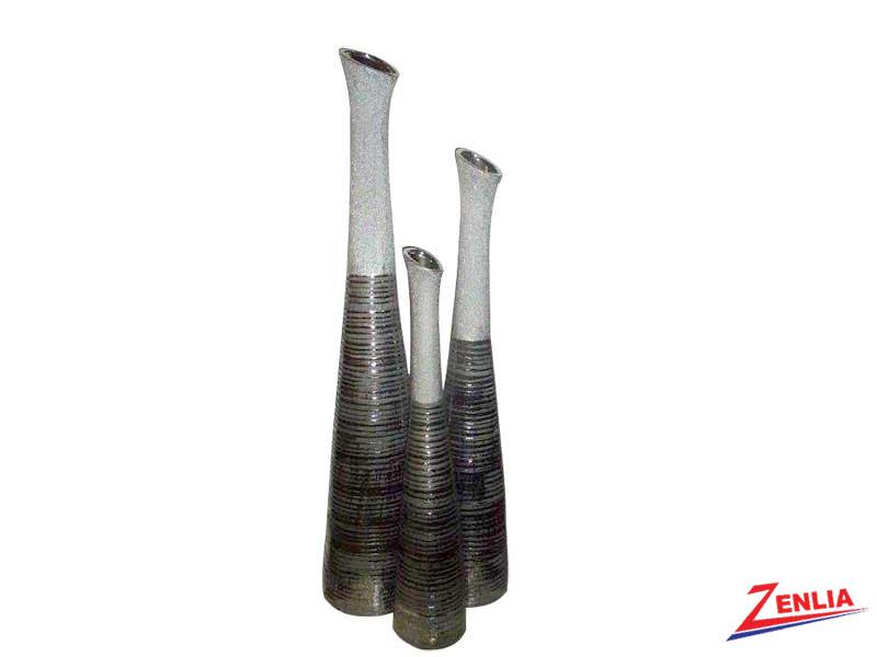 702 Vases